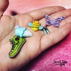Using trinkets from dinky doodads in speech therapy